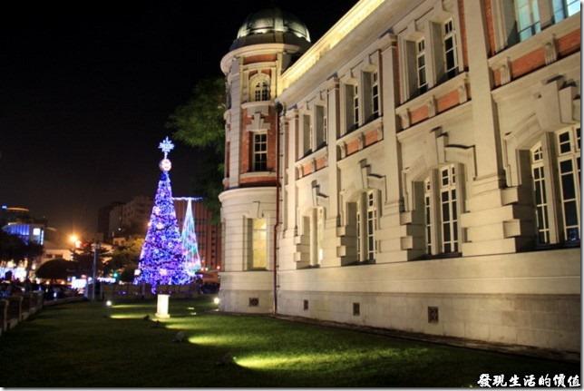 2012台南文學館聖誕樹點燈妝點台南市的夜晚