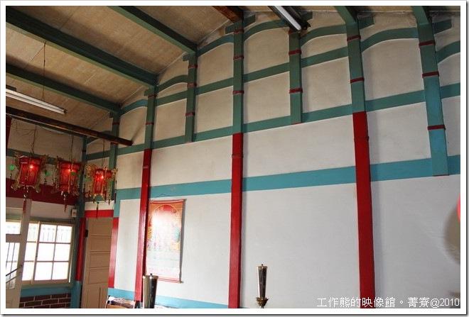 台南菁寮房屋建築房子內的屋樑也都是木頭建成的。