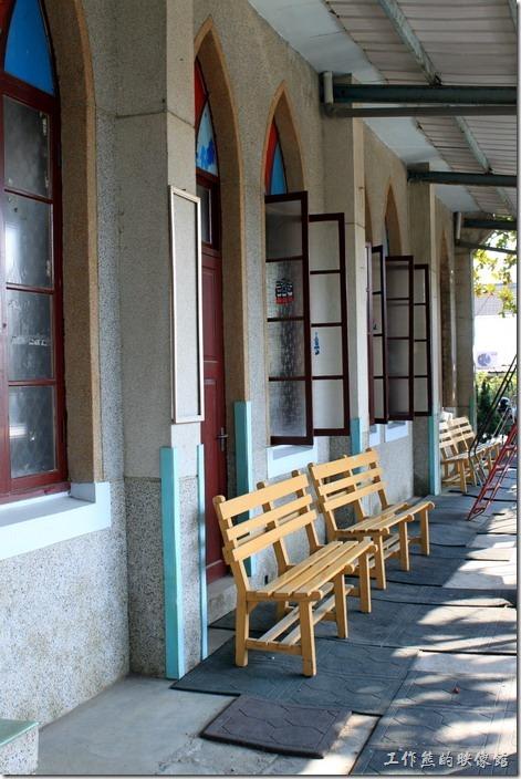 「荔園衍派」旁邊的「菁寮幼稚園」,這個看起來也是一座教堂呢!看起來也很有味道。(菁寮基督教長老教會,初建於西元1927年,歷經三次重建,現在的樣貌為1973年重建)