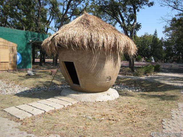 從前用的糧倉就是長這樣,就算是大熱天在裡面也不會覺得很熱喔!