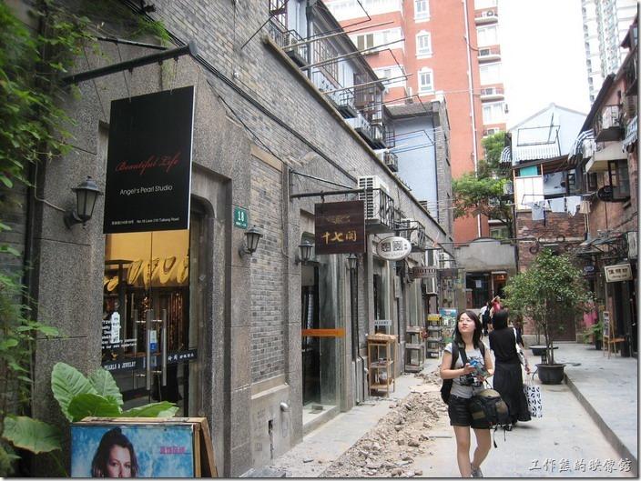 上海-田子坊。田子坊的街道及商店。