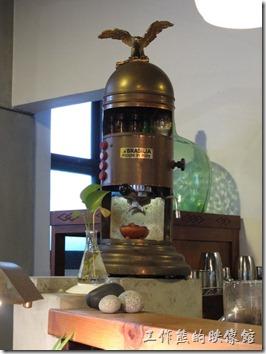 《a room‧房間咖啡館》內的磨豆機。