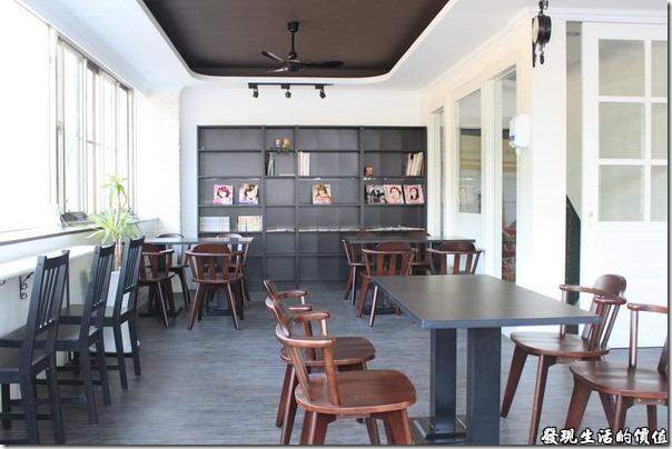 台南-菓溱是早餐店。菓溱是早餐洋式朝食的二樓用餐環境。