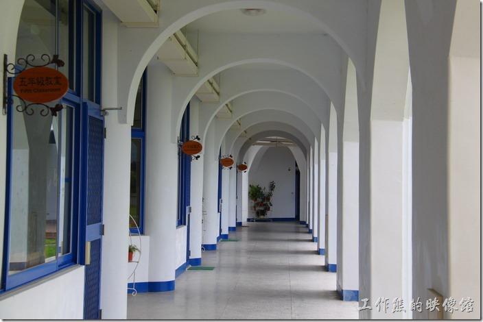 これは廊下のしゃしんデザインはいいとおもいます