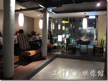 台北-鼎王長安東店。鼎王台北長安店的用餐環境。