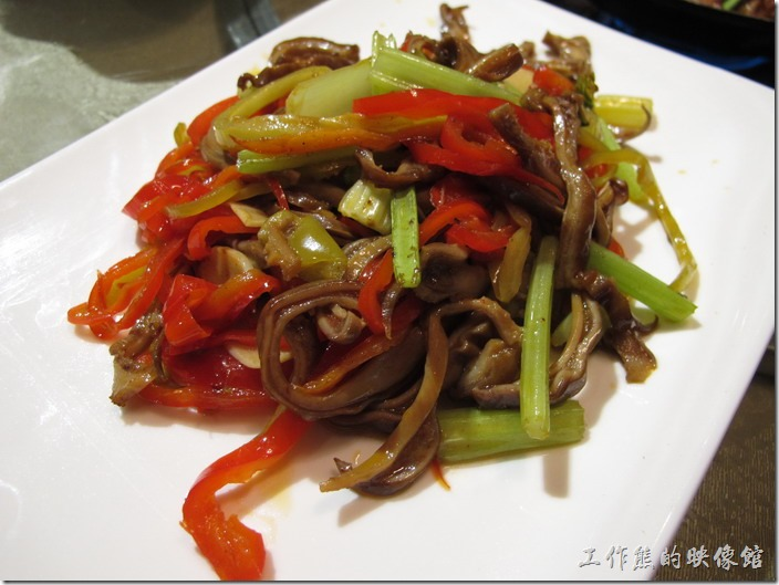 上海-干鍋居(貴州黔菜)。酸椒肚絲,RMB$39。