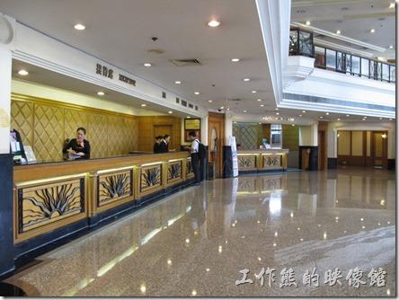 惠州天悅(嘉柏)大酒店。飯店前台大廳的景象。