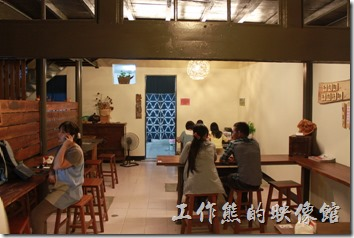 這大概就是甘盛堂餐廳內部的全部景象了。