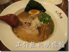 台南-京正拉麵。嗆辣豚骨拉麵,單點NT$150。這裡的拉麵麵條很Q彈,有一定的水準。