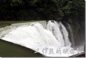 十分車站是平溪線上必遊的大站,這裡有號稱全台灣最大的天然大瀑布,不過來回得要走上一段不算短的路程(大約60分鐘),而且門票還挺貴的,如果你已經在別的國家看過大瀑布了,這裡的瀑布參考一下就好。