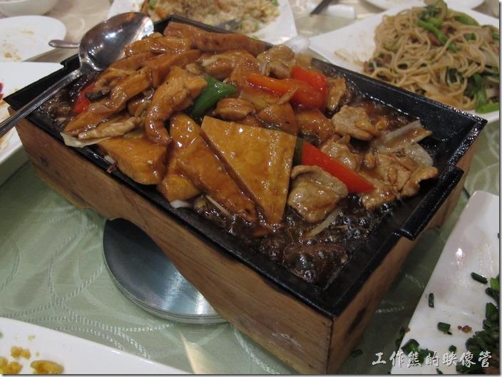 上海-寶島曼波。鐵板豆腐。