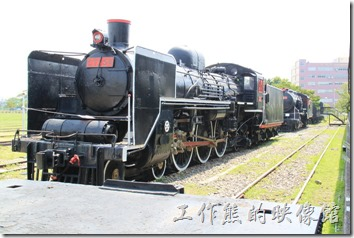高雄-鐵道故事館。CT259蒸氣火車的英姿。