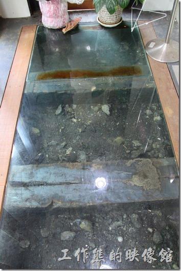 菁桐礦業生活館,煤炭展示。
