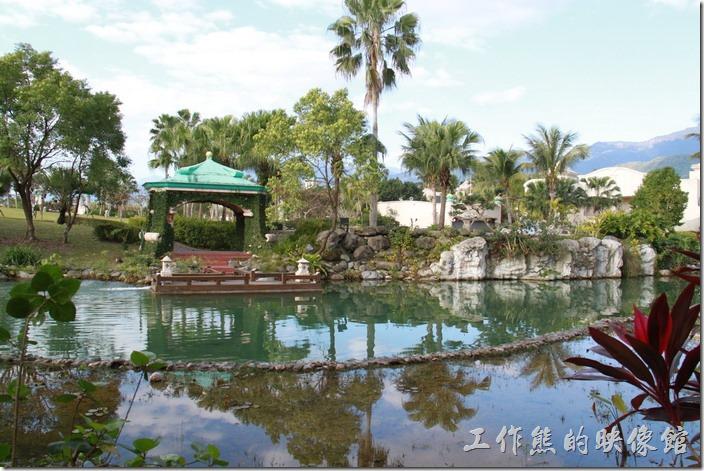 花蓮-理想大地渡假村。渡假村內共有七個碼頭,這是2號碼頭,聽導覽員說這是總統套房的專用碼頭。