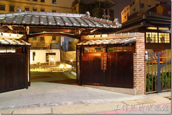 台南鶯料理夜間也開放,開放時間從早上10:00至晚上21:00。