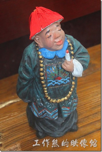 上海-田子坊。好像還蠻多這類小玩偶的,不論是木雕的還是塑膠的製品。