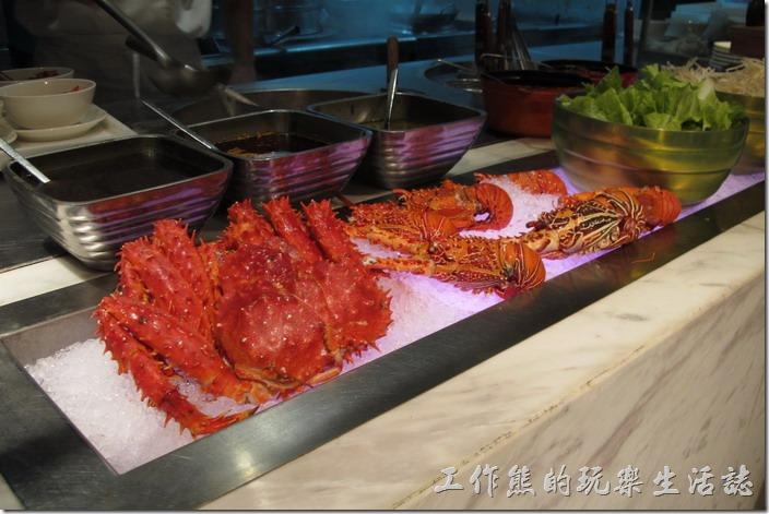 台北-寒舍艾美-探索廚房。這裡供應帝王蟹及龍蝦味噌湯,建議一定要給它試看看。