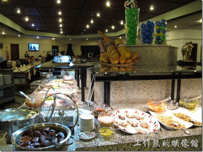 巴西窯烤OK-Grill。一般的窯烤店,除了烤肉之外,都會附設沙拉海鮮吧,讓食客均衡一下營養。