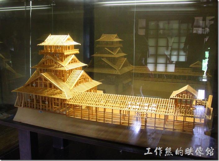 日本北九州-熊本城。這是「宇土櫓」的木造模型,感覺是不是很酷。