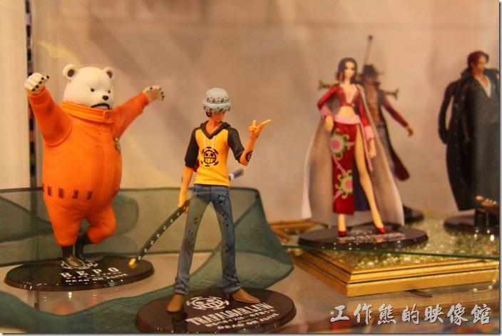 日本北九州-豪斯登堡(千陽號)。托拉法爾加·羅,哈特海賊團。