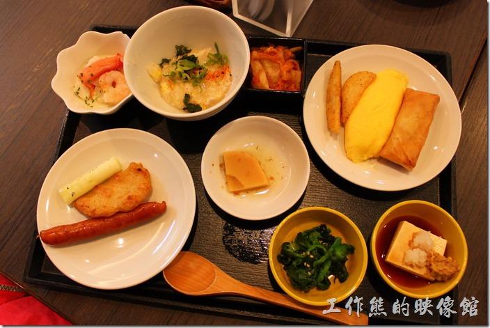 【博多祇園Hotel dormy inn】的早餐的早餐,這是老婆挑選的早餐樣式。