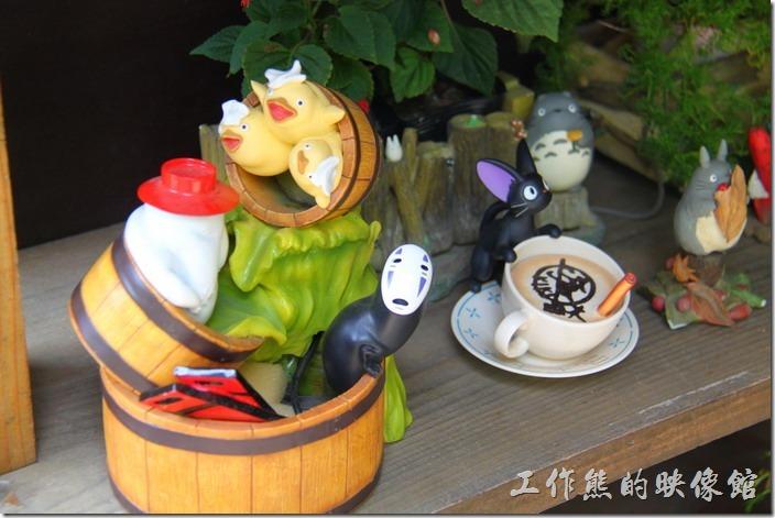 日本北九州-由布院-榛果之森。卡通「千尋」中的無臉男。