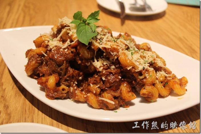 台北-溫德德式烘培餐館(內湖店)。匈牙利牛肉螺旋管麵。