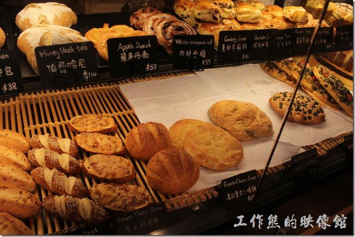 溫德餐館也有多種麵包的販售。