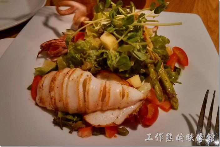 台北-溫德德式烘培餐館(內湖店)。香煎墨魚左辣味番茄,NT415。這條墨魚間得非常好吃。