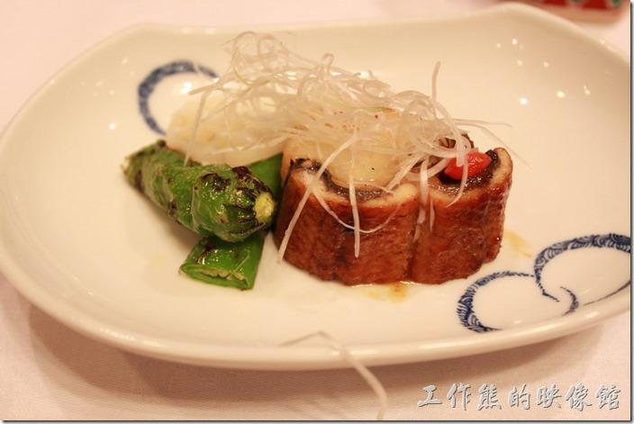日本北九州-由布院-彩岳館。8. 燒物─鰻魚蒸飯、青椒及蓮藕片,有點像糯米包著通心鰻,很好吃。