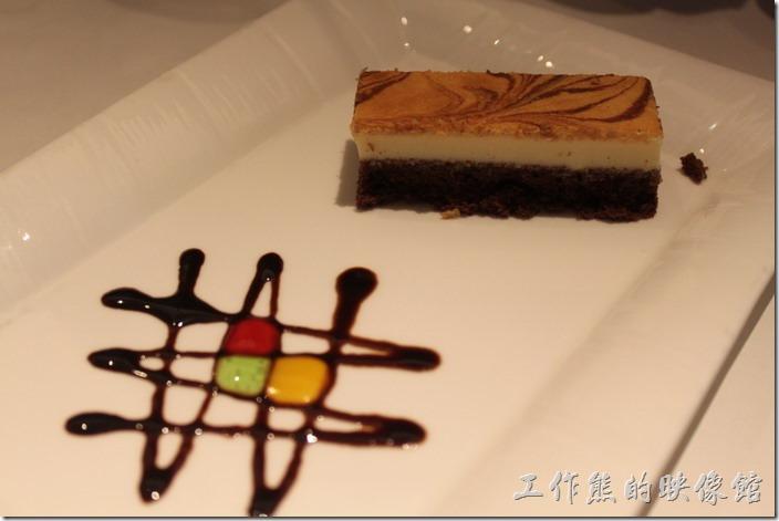 台南-西堤(Tasty)民族店。甜點-法式乳酪蛋糕。