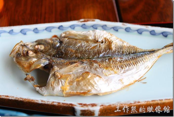 日本北九州-湯布院-彩岳館-早餐。還有【烤魚】耶,真是豐盛,雖然不是很大隻,但好吃。
