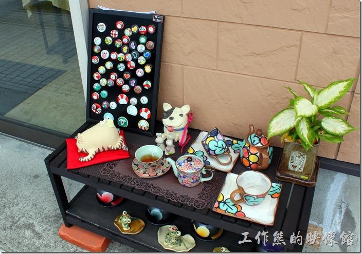 日本北九州-由布院街道。除了加菲貓,這裏還有好多有趣的陶瓷作品。