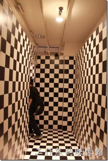 魔幻迷宮,這個應該難不倒聰明的你才對。