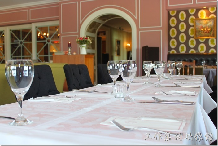台南-瑪莉洋房(Marie's House)的餐廳空間及擺飾。