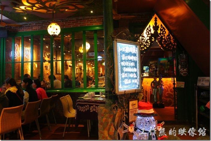 下次如果再來,要來試試這家墾丁路上的「泰國菜」餐廳,價錢也還好而已,不是頂貴。