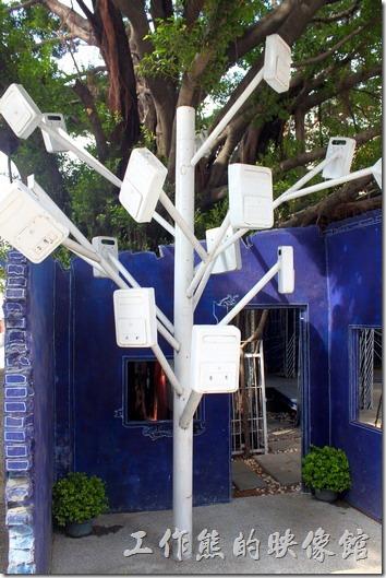 台南-西門路上司法宿舍群的藍晒圖2.0。信箱樹,上面有地點,可惜拍不太出來。