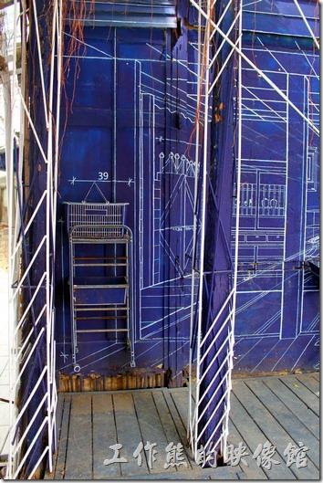 台南-西門路上司法宿舍群的藍晒圖2.0。有沒有看到圖面上有標示尺寸,這才像是製圖。