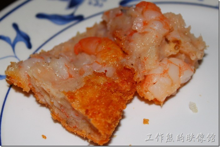 墾丁-迪迪小吃南洋菜。月亮蝦餅內有切丁的蝦仁,只不過這蝦子個人不是很喜歡。