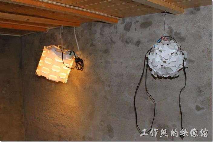 台南安平-運河路7號-創意市集 民宿。這個防空洞基本上可以容納八個人站立或蹲下不成問題。