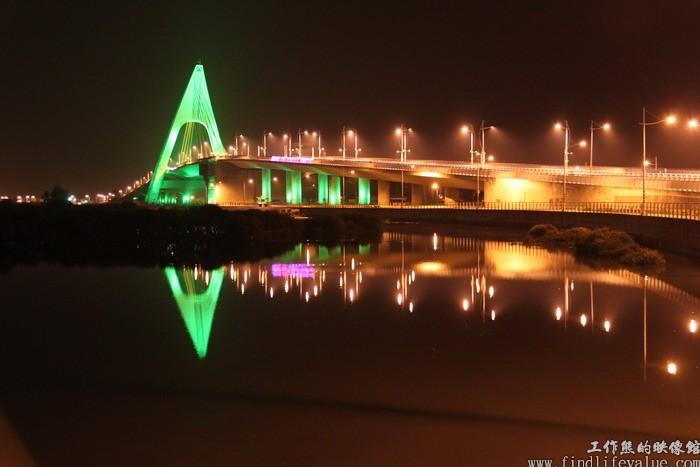 鵬灣跨海大橋燈光秀