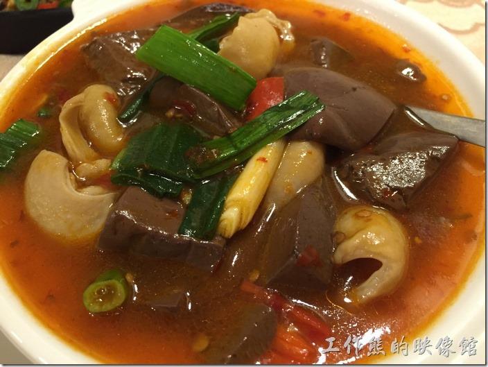 台北南港-北大莊川味館(五更腸旺)。五更腸旺,NT$178。這應該也是一道家常菜,不過味道真的有點淡,沒有一般的香辣味。