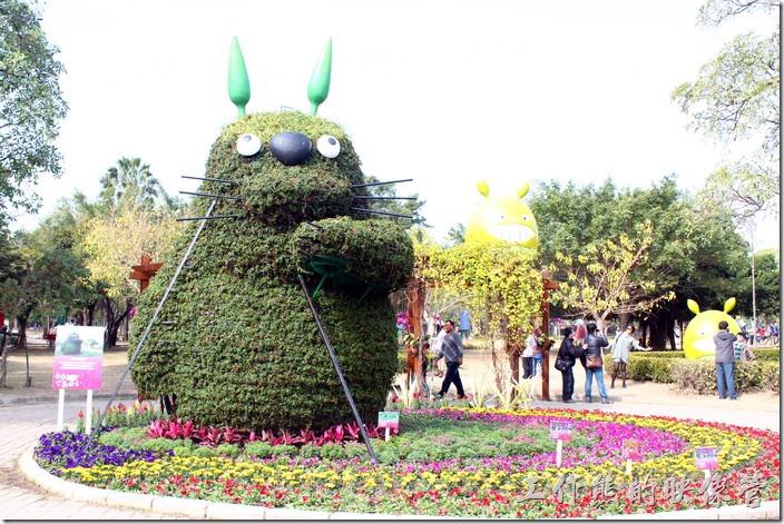 台南-2015百花祭。大型的熊貓裝置藝術。