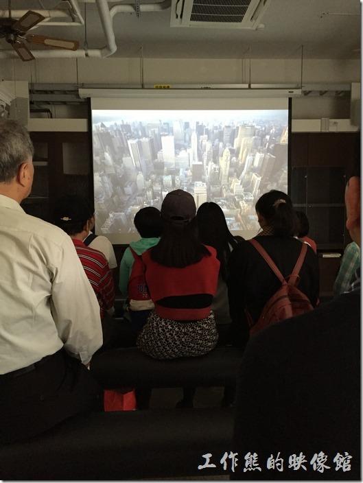 台南成功大學(力行校區)綠色魔法學校。如果是參加導覽,導覽一開始會有15分鐘的影片簡介。