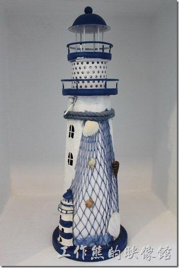 台南-白色曙光早午餐。燈塔與海鷗造型裝飾,工作熊喜歡蔗作燈塔,很有感覺。