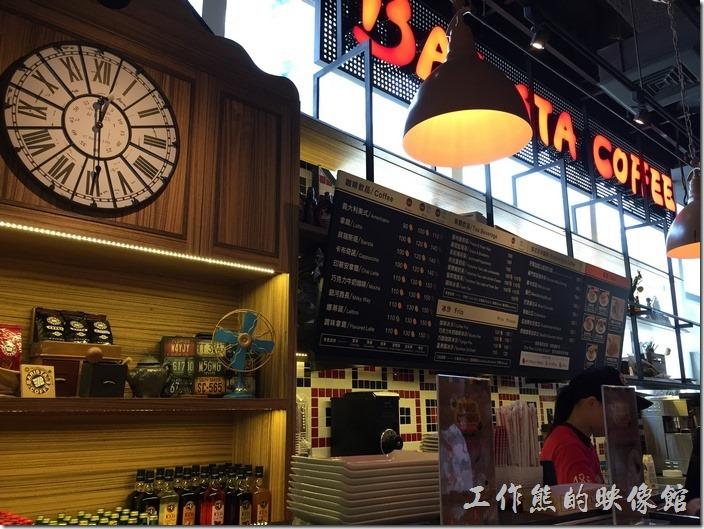 台北南港中信三樓美食街。西雅圖極品咖啡館