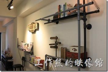 台南【A Week Pancake Coffee】餐廳一樓的景象與佈置。
