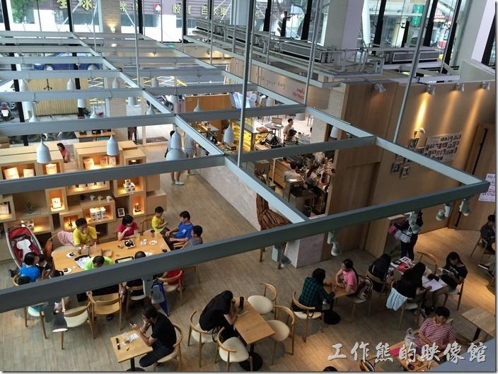 金礦咖啡高雄大昌店的俯瞰影像。