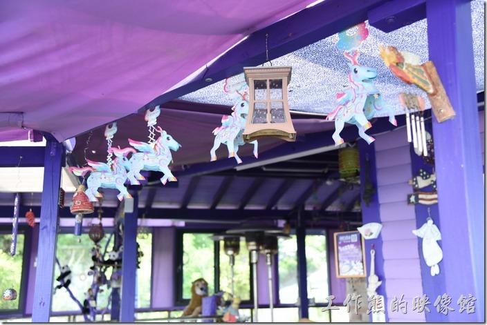 南投清境-瑪格麗特花園餐廳。這個應該是羊年的花燈吧!