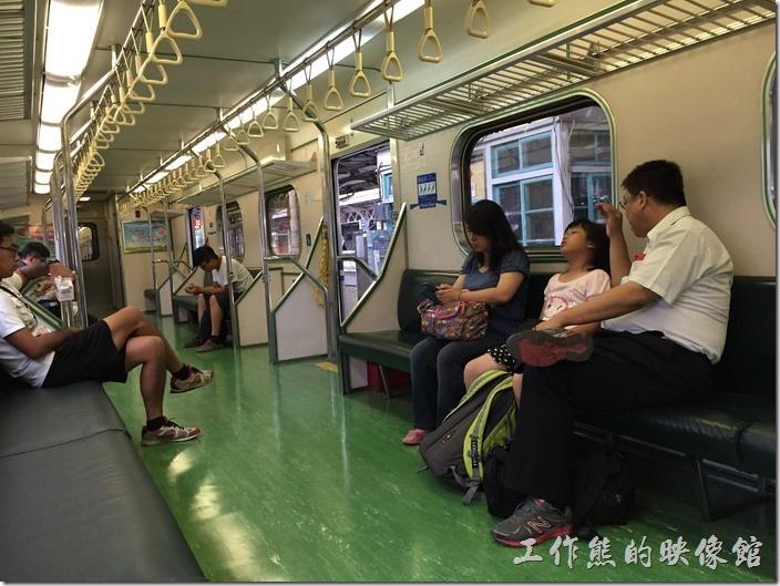 台鐵的火車車廂。